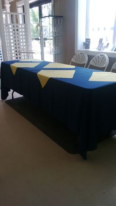 linen on an table Tables, Cocktail, Curtains, Home Decor, Mesas, Blinds, Table, Interior Design, Draping