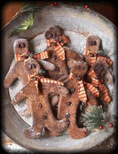 primitive gingerbread boy ornies from The Old Glory Company...e-pattern