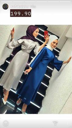 Modest Fashion Hijab, Modern Hijab Fashion, Muslim Women Fashion, Modesty Fashion, Hijab Casual, Fashion Outfits, Hijab Dress Party, Hijab Outfit, Navy Floral Maxi Dress