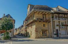 Comuna de Saint-Come-d'Olt en el #Aveyron, Midi-Pyrénées, Francia  #instadaily #instagood #photooftheday #bestoftheday #happy #tourism #world #smile #mundo #sky #thebestphoto #visiting #amazing #mytravelgram #picoftheday #beautiful #traveling #nomad #VivimosdeViaje #France #Francia #MidiPyrenees #Occitanie #Aveyron #SaintComedOlt