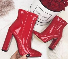 Boots are actually trendy and there is wide choice from flat-heels to stilettos, wedges, and platforms, boots are whatever in between. Sock Shoes, Shoe Boots, Shoes Heels, Ankle Boots, Talons Sexy, Cute Heels, Red Boots, Dream Shoes, Types Of Shoes