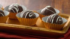 CHOCOLATE TRUFFLES for the true chocoholic * EASY * Indulge in decadent, melt-in-your-mouth chocolate.