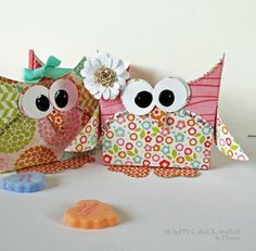 Instructagram photos with steps to make these adorable Owl Treat Containers!
