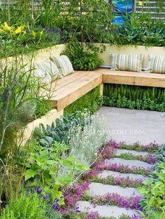Sunken garden seating area retaining walls New ideas Back Gardens, Small Gardens, Outdoor Gardens, Fairy Gardens, Indoor Outdoor, Sunken Garden, Terraced Garden, Sunken Patio, Design Jardin