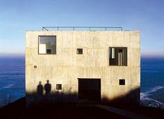 Poli House Cultural Center, by Pezo von Ellrichshausen / Coliumo, Chile Pezo Von Ellrichshausen, Open Architecture, Concrete Architecture, Dome House, Arch House, Facade Design, Interior And Exterior, Luigi, Images