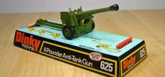 Dinky Toys 625, British WWII 6 Pounder Gun. This diecast model was made between 1975-1977.
