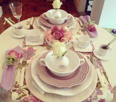 pretty pink table decor
