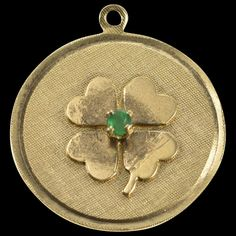 14K Retro Emerald Shamrock Clover Lucky Good Luck Charm/Pendant Yellow Gold [QWXW] Lucky Charm, Antique Gold, Jewelery, Emerald, Vintage Jewelry, Pendants, Charmed, Gemstones, Leaf Clover