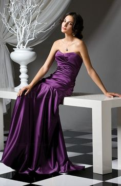 Classic Sweetheart Ruched Elastic Woven Satin Backless Sweep Train Party Dress