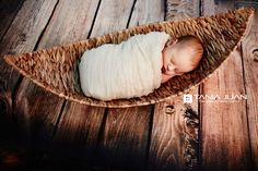 Fotografía Newborn  ©TaniaJuan  #foto #fotografía #photo #bebé #newborn #estudio #fotoestudio #reciennacido #asturias #aviles #oviedo #gijon #fotoinfantil