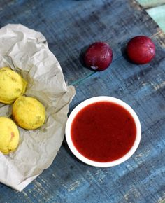 how to make plum chutney, aloo bukhare ki chutney, plum chutney sweet and spicy Plum Chutney, Sweet And Spicy, Cantaloupe, Kitchen Appliances, Fruit, Recipes, Food, Diy Kitchen Appliances, Home Appliances
