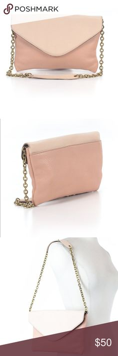 Kate Spade Light Pink Leather Crossbody! 😍This Crossbody is a must have!! It goes with everything..from Jeans and a white t-shirt to a cocktail dress for happy hour! The purse is 100%leather and is in excellent condition!! 😍Make a statement! Price is FIRM. Any offers must be reasonable. kate spade Bags Crossbody Bags