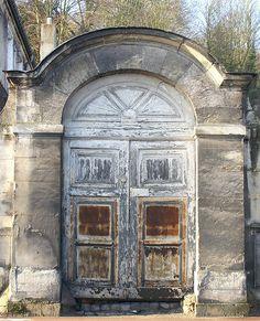 MARLY LE ROI - Porte des bâtiments de la machine de Marly, Isle de France--Gerard d'Alboy