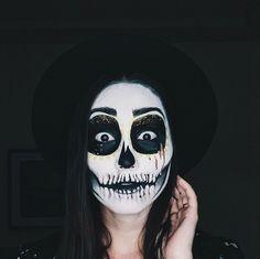 "Denisa Stanciu • M U A • on Instagram: ""Halloween is coming, people! #diadelosmuertos #halloweenmakeup #sugarskullmakeup 🌚"""