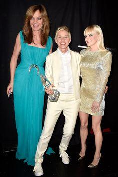 Pin for Later: Tous Les Moments des People's Choice Awards Que Vous Ne Verrez Pas à la Télé Ellen DeGeneres, Allison Janney et Anna Faris