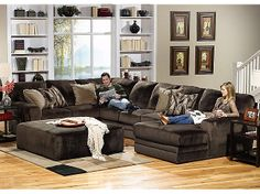 Rainier 3 Piece Sectional @ Hom Furniture