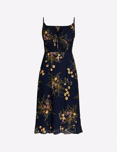 Whether you're looking for cosy jumpers or party dresses and the lingerie to match, our range of designer women's clothes has you covered. Grad Dresses, Daytime Dresses, Dress Outfits, Casual Dresses, Casual Outfits, Dress Up, Fashion Outfits, Pretty Outfits, Pretty Dresses