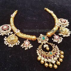 Traditional Choker with Pearls Flower Motifs - Jewellery Designs