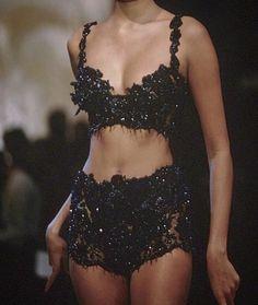 christian dior 1995 - Home Fashion Killa, Look Fashion, 90s Fashion, Runway Fashion, High Fashion, Fashion Show, Vintage Fashion, Fashion Outfits, Womens Fashion