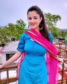 Cute and hot Punjabi dress Dehati Girl Photo, Girl Photo Poses, Beautiful Girl In India, Beautiful Girl Photo, Beautiful Bollywood Actress, Beautiful Indian Actress, Beautiful Women Videos, Hollywood Actress Photos, Little Girl Models