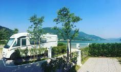 The beauty off having a place at the Caldonazzo lake!  @Camping punta Lago #livelovevalsugana #italy #valsugana #trentino #caldonazzolake #camping #campingtrentino #vakantie #vacanze #camper #lakeview #mountains #outdoor #summer
