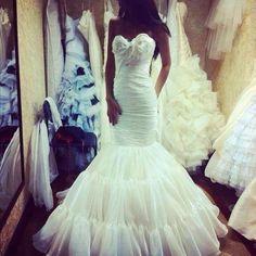love this mermaid wedding dress