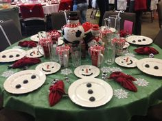 Christmas/ winter decor ideas. Table setting. Christmas Dinner