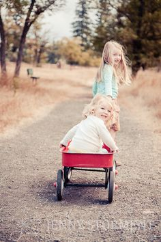 kids portraits, kids in wagons, fall portraits, Tacoma Photographer, Fort Steilacoom Park :: Jenny Storment Photography