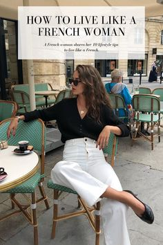 The French-Girl Way to Wear White Jeans for Fall (Le Fashion) The Fre. - The French-Girl Way to Wear White Jeans for Fall (Le Fashion) The French-Girl Way to Wea - Parisian Style Fashion, Look Fashion, Girl Fashion, Autumn Fashion, Fashion Outfits, European Fashion, Fashion Belts, French Fashion Styles, French Street Styles