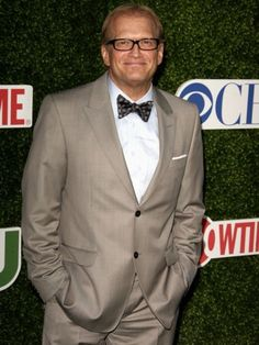 Comedian Drew Carey will soon be the host of the new comedy improv show, Improv-A-Ganza, which premieres on The Game Show Network on April Left Handed Celebrities, Famous Left Handed People, Make Money Online, How To Make Money, Drew Carey, Comedy Show, Man Up, Love Is Free, Mothers Love