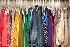 Wiele kolorów w szafie