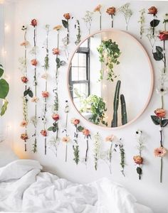 Home Decor Apartment College dorm decor inspiration ideas. Whether it's your freshman year or not these ideas for girls bedroom decorations organizing color schemes space saving minimalist cute designs pictures for you and your roommate. Inspired by Dorms Decor, College Dorm Decorations, College Dorm Rooms, College Roommate, Apartment Ideas College, Roommate Ideas, Diy Dorm Decor, Girls Apartment, College House