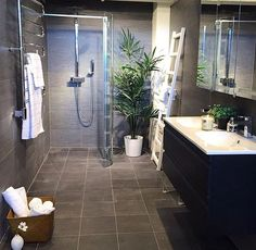 Bathroom of the day! Shop Interior Design, Interior Decorating, House Design, Feng Shui, Lillehammer, Modern Loft, Stylish Home Decor, Curtains With Blinds, Home Decor Inspiration