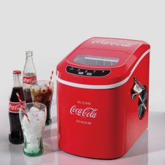 Coca-cola Portable Ice Maker - http://dudebrogifts.com/coca-cola-portable-ice-maker/