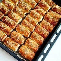Τυρόπιτα χίλια φύλλα Cheese Recipes, Pizza Recipes, Dessert Recipes, Cooking Recipes, Desserts, Pizza Tarts, Bread Dough Recipe, Russian Recipes, Food Categories
