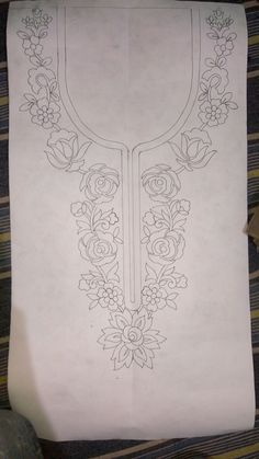 This Pin was discovered by jua Hand Embroidery Design Patterns, Kurti Embroidery Design, Tambour Embroidery, Hand Work Embroidery, Embroidery Applique, Embroidery Stitches, Machine Embroidery, Sewing Patterns, Embroidery On Kurtis