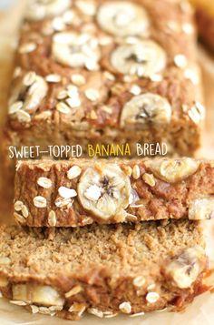 Sweet-Topped Banana Bread (GF + Oil-free) - Feasting on Fruit Oat Flour Banana Bread, Oat Flour Muffins, Gluten Free Banana Bread, Vegan Banana Bread, Banana Oats, Vegan Bread, Banana Bread Recipes, Vegan Cake, Feasting On Fruit