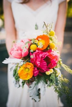 Gorgeous Peony Bouquets To Have and To Hold at Your Wedding