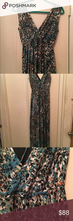 Maxi dress never worn Double v printed maxi dress would fit anyone really from size 8-12 dress size young at heart Dresses Maxi