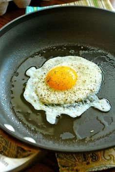 ** How to Fry an Egg - Sunny Side Up, Over Easy, Over Well, Over Hard - A Sweet Pea Chef ** Original article and pictures take https:. Perfect Fried Egg, Perfect Eggs, Omelettes, Tortillas, Sunnyside Up Eggs, Incredible Eggs, Over Easy Eggs, Huevos Fritos, Egg Dish