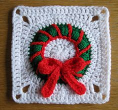 Christmas Wreath Granny Square  #christmascrochet #crochet #freecrochetpatterns Free crochet patterns for crochet tutorials and projects.