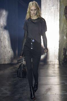 #AlexanderWang #fashion #Koshchenets Alexander Wang Fall 2017 Ready-to-Wear Collection Photos - Vogue