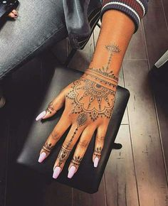 Hand Tattoos for Women . Hand Tattoos for Women . Pretty Hand Tattoos, Hand And Finger Tattoos, Mandala Hand Tattoos, Henna Tattoo Hand, Small Hand Tattoos, Hand Tattoos For Women, Body Art Tattoos, Tatoos, Finger Tats