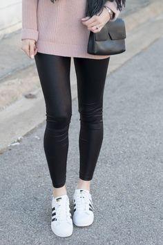 707008d88ce Tι να προσέχετε όταν φοράτε δερμάτινο κολάν ή παντελόνι | ADress room |  Pinterest | Leather leggings outfit, Leather Leggings και Leggings