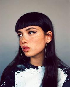 Gorgeous skin tone + freckles and dark hair. *Photos by London-based photographer Samuel Bradley. Beauty Makeup, Hair Makeup, Hair Beauty, Makeup Tips, Beauty Skin, Makeup Art, Makeup Ideas, Comic Foto, Pretty People