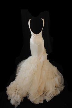 Janice ~ Vera Wang ~ Size 10 | Fabulous Frocks Bridal