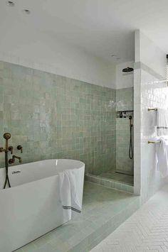 Beach Bathrooms, Laundry In Bathroom, Modern Bathroom Design, Bathroom Interior Design, Style Tile, Dream Home Design, Bathroom Styling, Beautiful Bathrooms, Cozy House