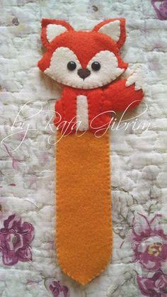 Kawaii Felt, Little Prince Party, Rakhi Making, E Textiles, Felt Crafts Patterns, Felt Bookmark, Felted Wool Crafts, Felt Books, Arts And Crafts Projects