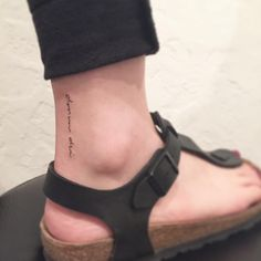 #tattoo #tattoos #minitattoo #lettering #linetattoo #letteringtattoo #타투 #홍대 #홍대타투 #위티버튼 #미니타투 #라인타투 #레터링 #레터링타투 #발목타투
