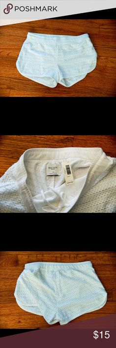 NWT Gilly Hicks White Lace Shorts Brand: Gilly Hicks Size: XS Fit: True to size Condition: NWT Gilly Hicks Shorts